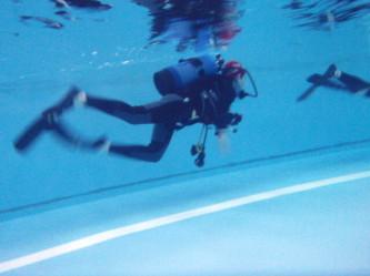 マスクなしで中性浮力で上手に泳げます!