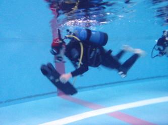 フィンが取れた時の泳ぎ方―!