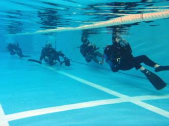 中性浮力で背泳!