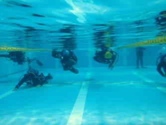 初めての水中遊泳