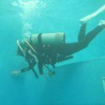 いきなりエキサイト!夏に向けてプールで初めてのダイビング