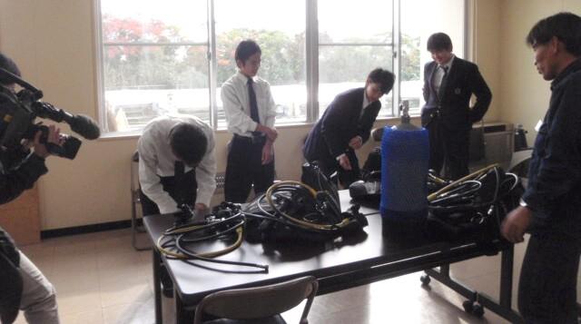 家島高等学校でダイビングレッスン(授業)NHK取材