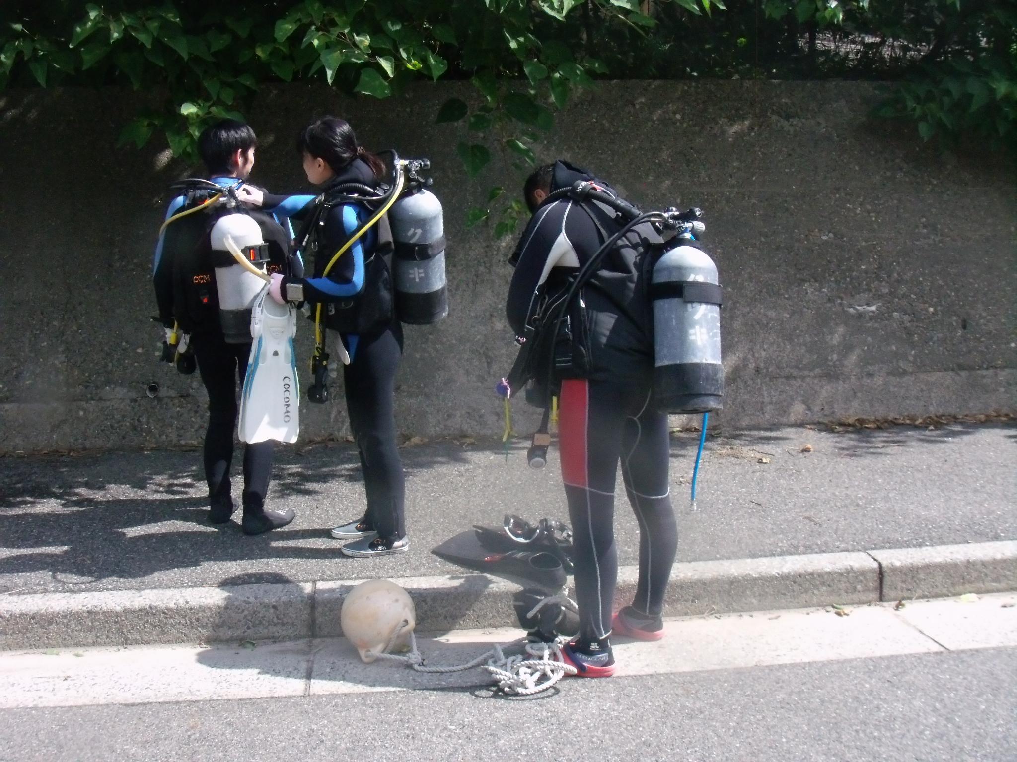 ダイビングライセンス取得コース海洋実習、プロ向けレベルアップコース実施