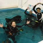 ダイブマスターコース!店内プールで、学科→実習→フィードバックと効率よく、修得が速いです!