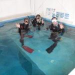 店内プールでダイビングライセンスコース!
