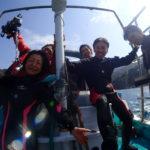 黒アワビ稚貝の放流ダイビング